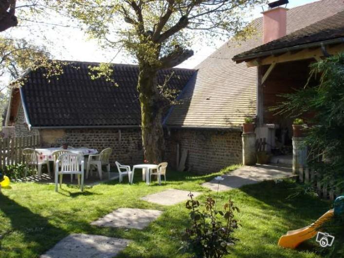 Location de vacances - Chambre d'hôtes à Aubin - Entrée du lieu en parti rénové