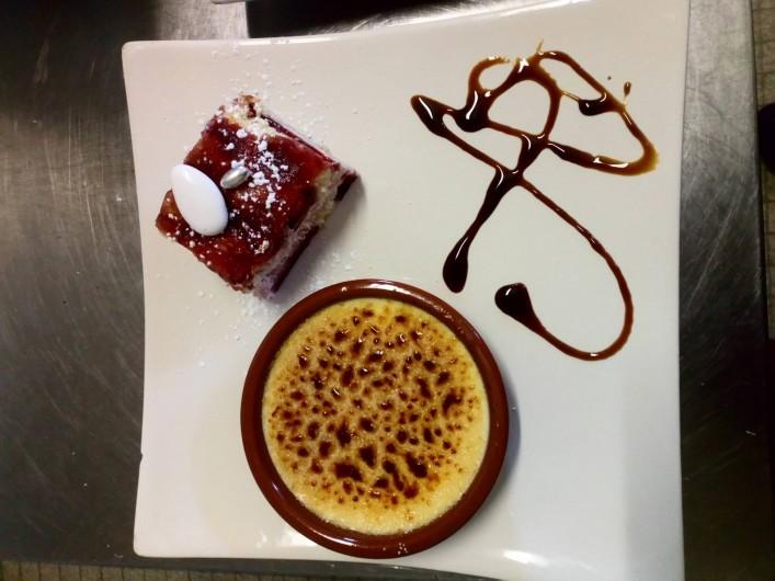Location de vacances - Chambre d'hôtes à Saint-Étienne-du-Valdonnez - Dessert différent tous les jours à l'Auberge du Bramont en Lozère