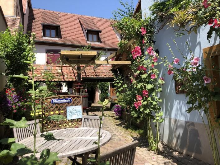 Location de vacances - Gîte à Ribeauville - Vous êtes arrivés ! Dans une Magnifique maison Alsacienne classée de 1578