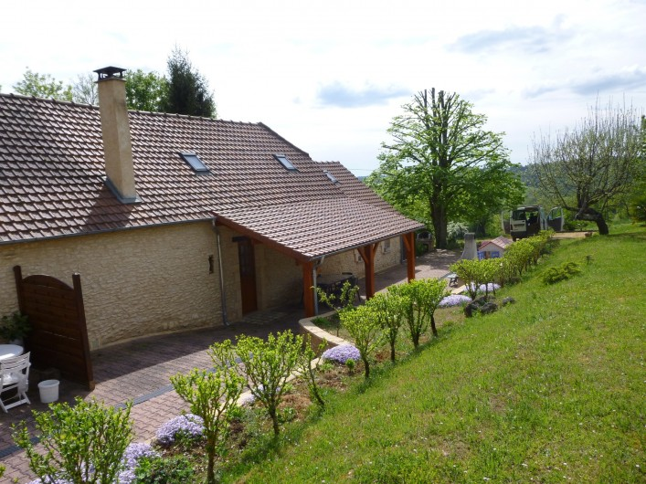 Location de vacances - Gîte à Auriac-du-Périgord - Vue arrière gîte 1