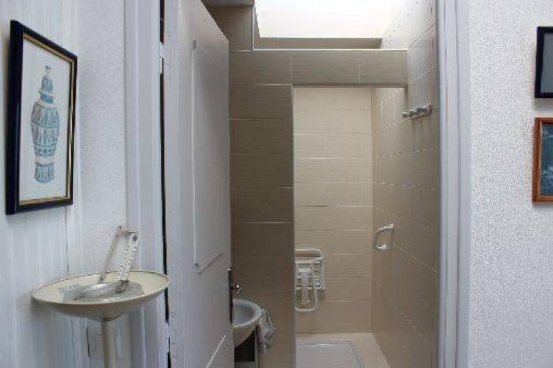 Location de vacances - Maison - Villa à Roscoff - Salle de douche italenne du bas