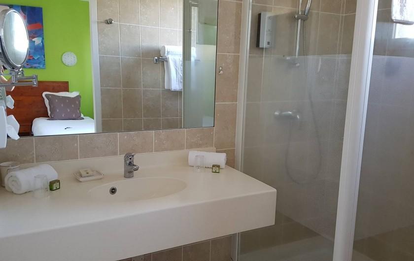 Location de vacances - Hôtel - Auberge à Saint-Jean-le-Centenier - Salle de Bain