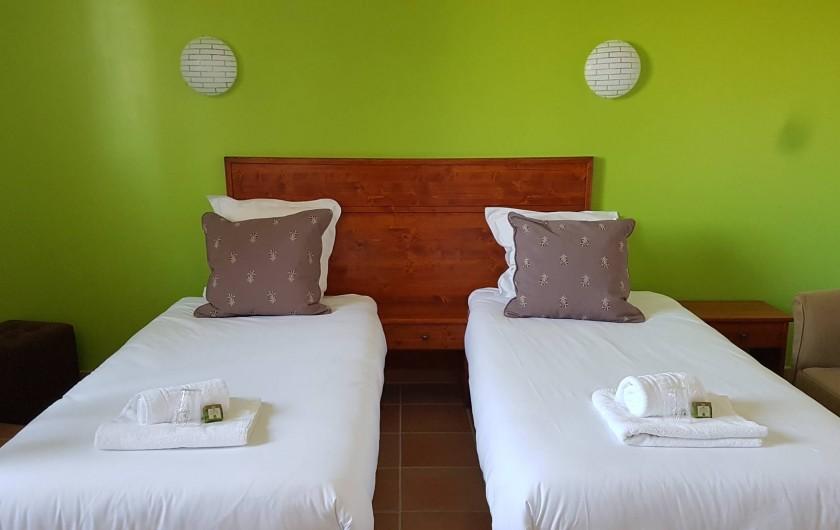 Location de vacances - Hôtel - Auberge à Saint-Jean-le-Centenier - Chambre lits séparés