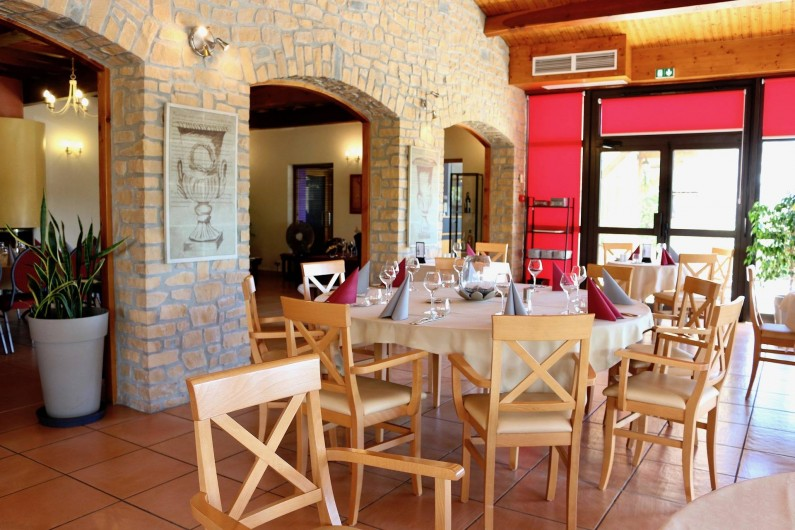 Location de vacances - Hôtel - Auberge à Saint-Jean-le-Centenier - Salle restaurant
