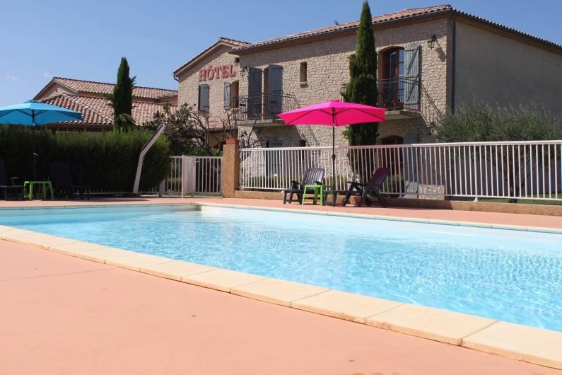 Location de vacances - Hôtel - Auberge à Saint-Jean-le-Centenier - Piscine