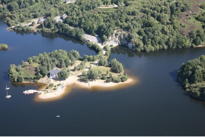Location de vacances - Chalet à Chastreix - lac de Lastioulles avec base de loisirs à 22 km de Chastreix