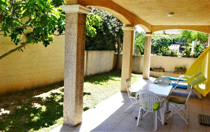 Location de vacances - Villa à Frontignan - Terrasse avec meubles de jardin Frontignan