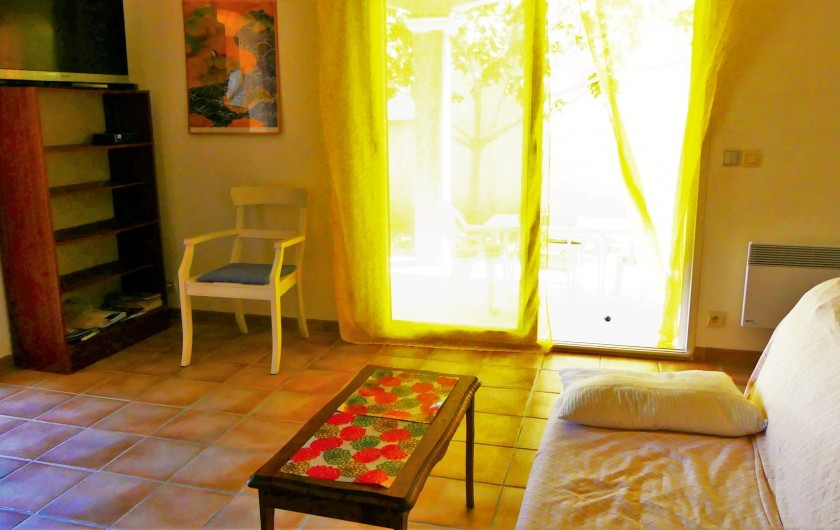 Location de vacances - Villa à Frontignan - Porte fenêtre donnant accès à la terrasse