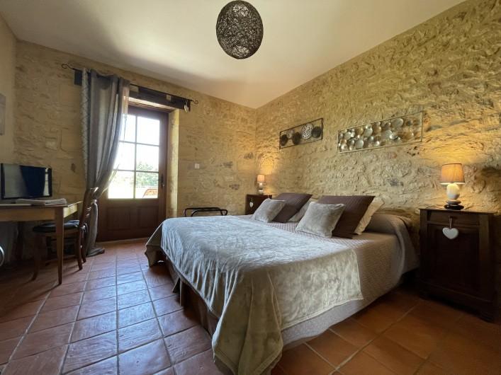 Location de vacances - Chambre d'hôtes à Saint-Avit-Sénieur - jacuzzi