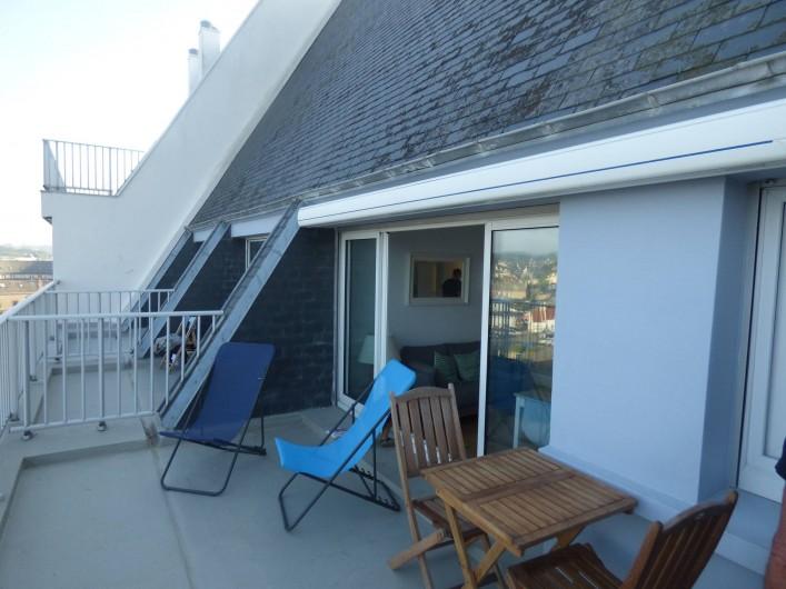 Location de vacances - Studio à Trégastel - la grande terrasse