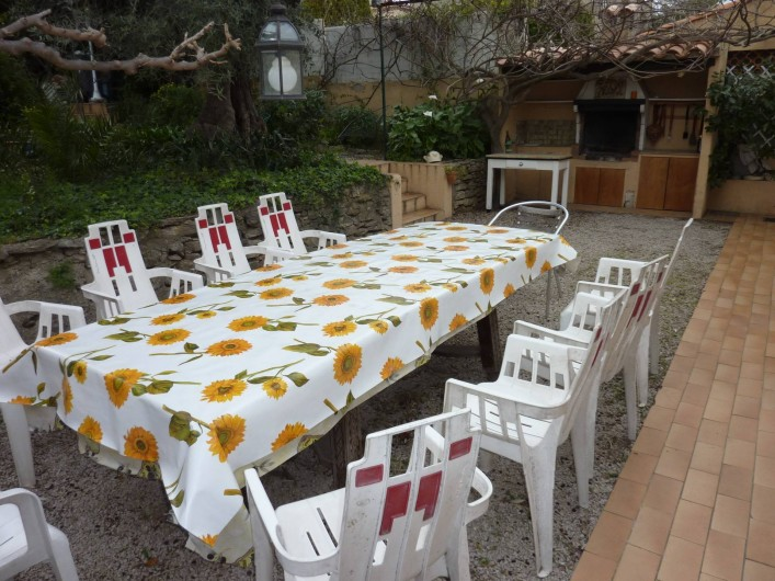 Location de vacances - Villa à La Ciotat - Terrasse séjour d'été, barbecue