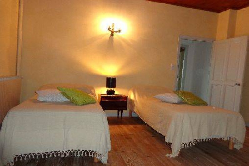 Location de vacances - Gîte à Plan-de-Baix - La chambre (2 lits de 90)