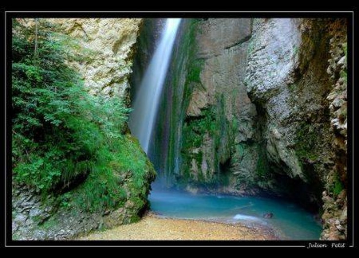 Location de vacances - Gîte à Plan-de-Baix - La chute de la Druise (hauteur 72 m)
