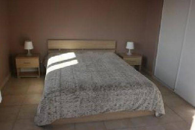 Location de vacances - Appartement à Hyères - chambre 1