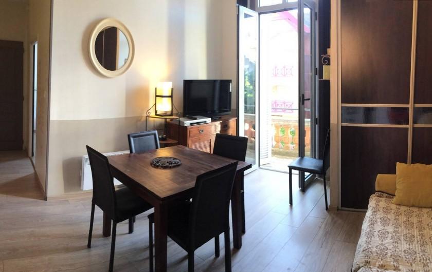 Location de vacances - Appartement à Arcachon - salon / salle à manger