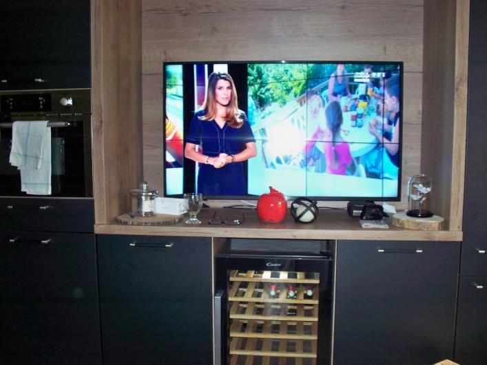 Location de vacances - Studio à Morzine - tv grand ecran 123 cm