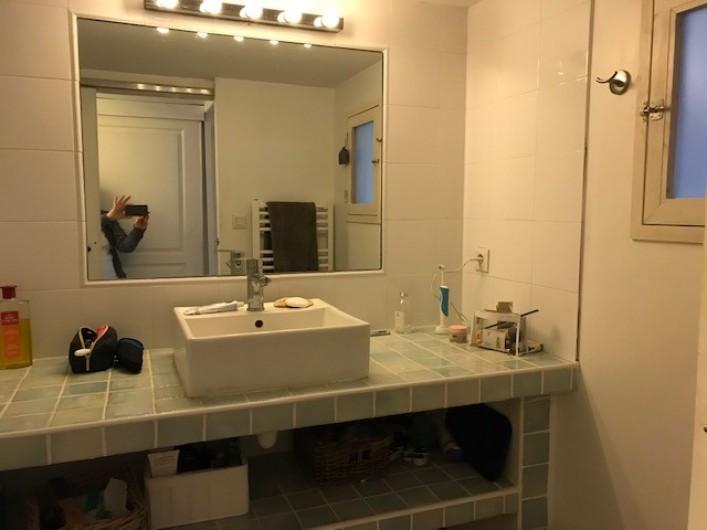 Location de vacances - Mas à Le Pin - salle de bain