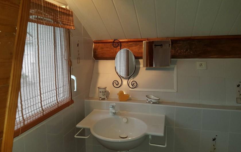 Location de vacances - Gîte à Lafrançaise - Petite salle d'eau privative à la chambre à l'étage.