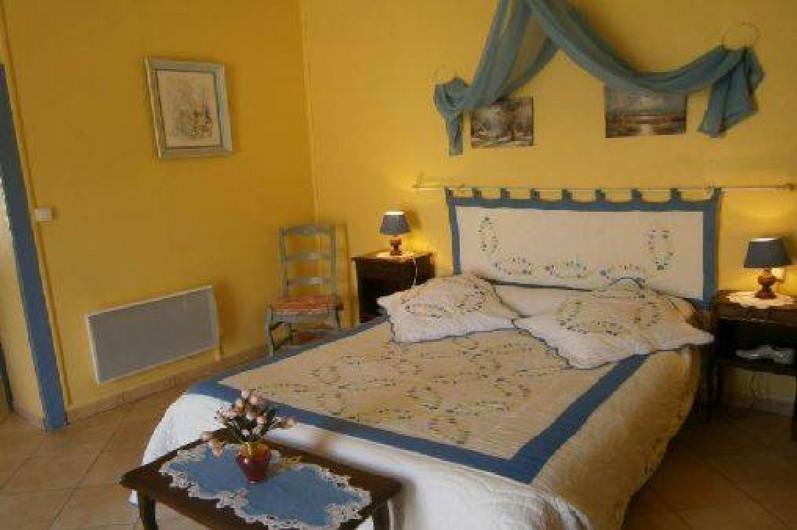 Location de vacances - Gîte à Mareuil-sur-Lay-Dissais - chambre 1- lit 160x200