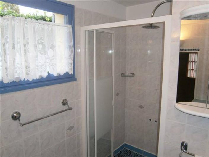 Location de vacances - Gîte à Mareuil-sur-Lay-Dissais - 1 salle douche
