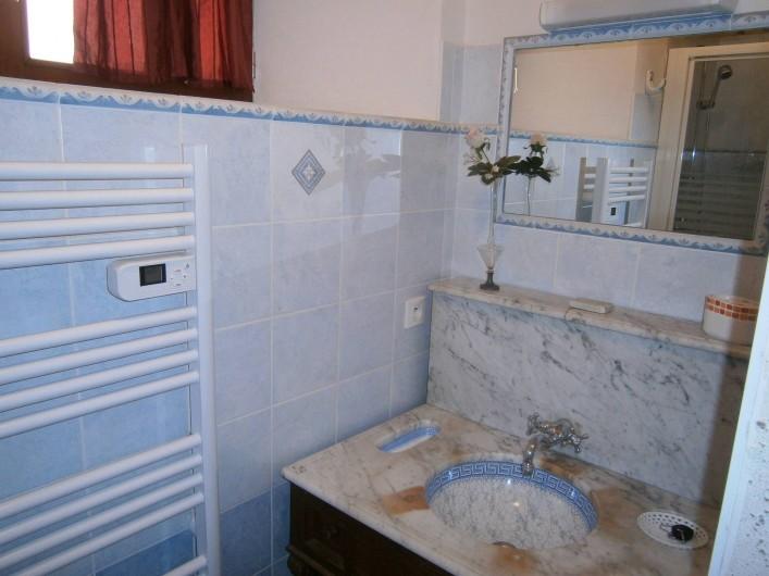 Location de vacances - Gîte à Mareuil-sur-Lay-Dissais - 2ème salle d'eau avec douche