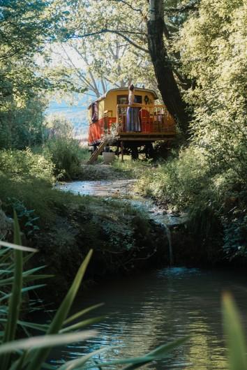 Location de vacances - Gîte à Marsanne - Roulotte du gite champetre lorette de scoot nomad location vacances tourisme