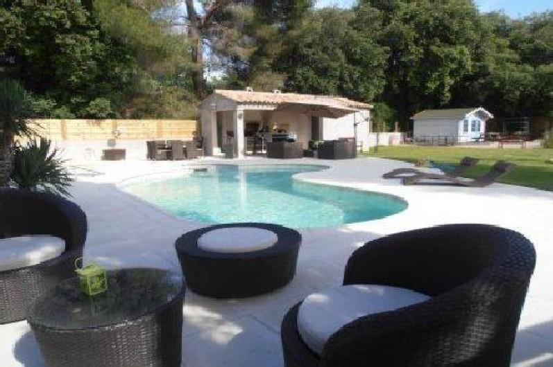 Belle maison moderne avec piscine chauff e 5 min de cannes sur la c te d 39 azur alpes maritimes Maison moderne cotedazur