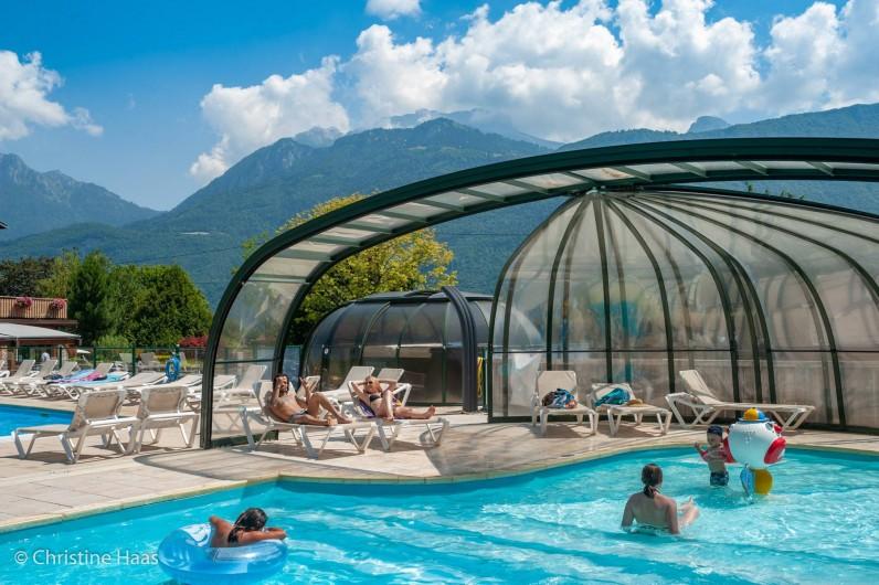 Location de vacances - Camping à Lathuile - Piscine couverte et jacuzzi