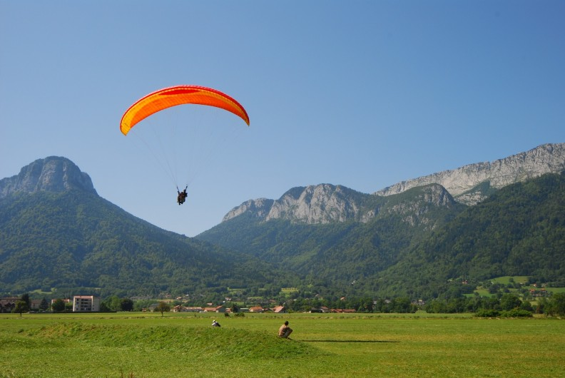 Location de vacances - Camping à Lathuile - Parapente - réservation possible au camping