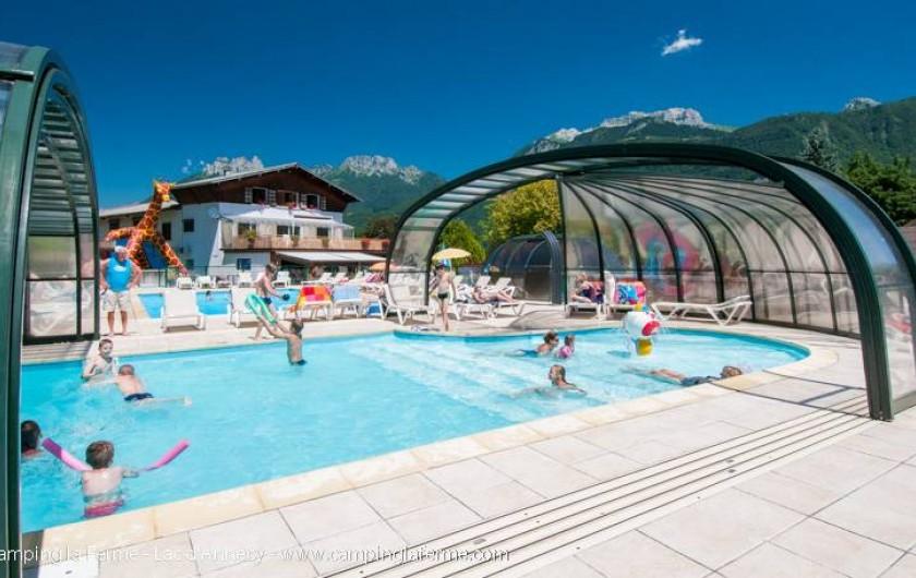 Location de vacances - Camping à Lathuile - Piscine découvrable