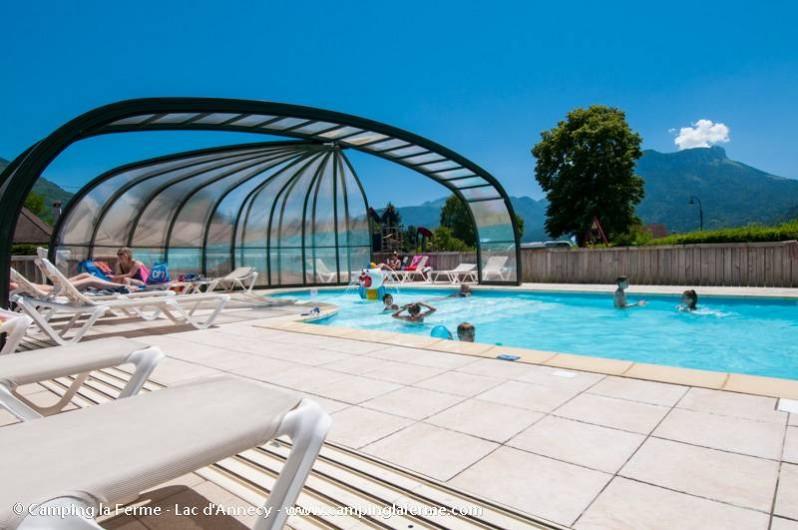 Location de vacances - Camping à Lathuile - Piscine couverte et chauffée