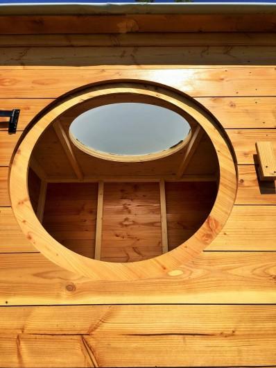 Location de vacances - Chambre d'hôtes à Auriac-du-Périgord - Une nuit sous les étoiles dans un lit de 140