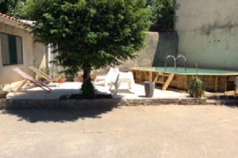 Location de vacances - Appartement à Nîmes - piscine