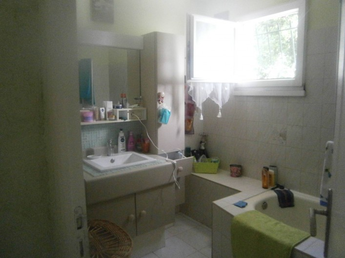 Location de vacances - Villa à Saint-Paul-et-Valmalle - salle de bain