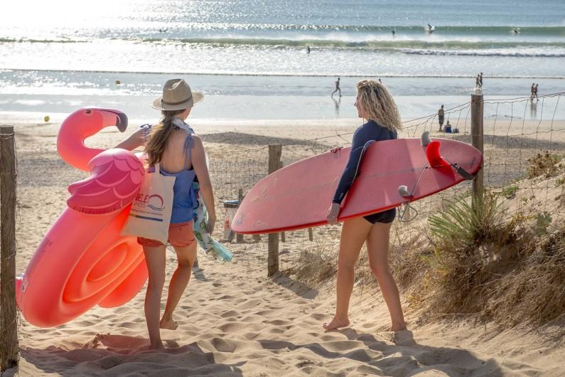 Location de vacances - Camping à Brem-sur-Mer - Plage de sable fin à 600m
