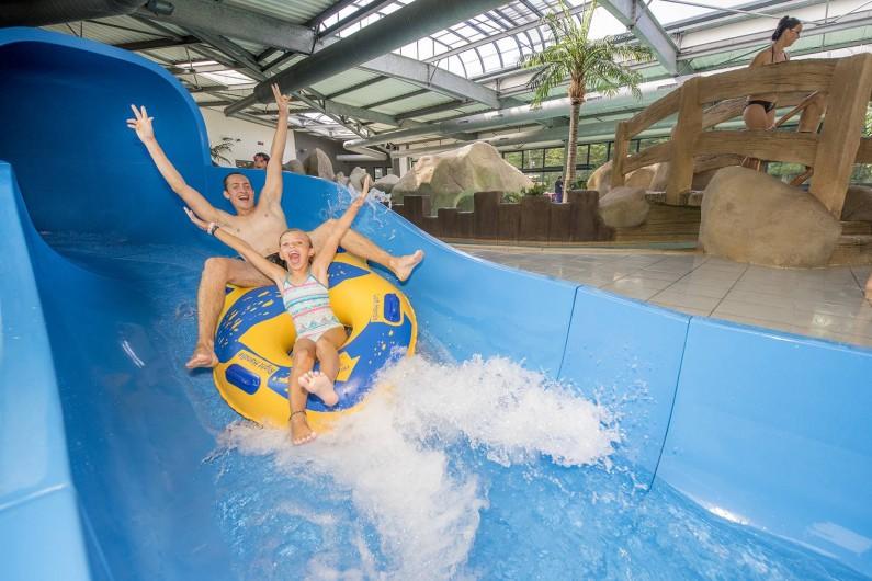 Location de vacances - Camping à Brem-sur-Mer - Toboggan à bouées !