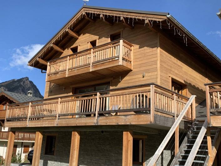 Location de vacances - Chalet à Pralognan-la-Vanoise - Vue de la façade plein sud