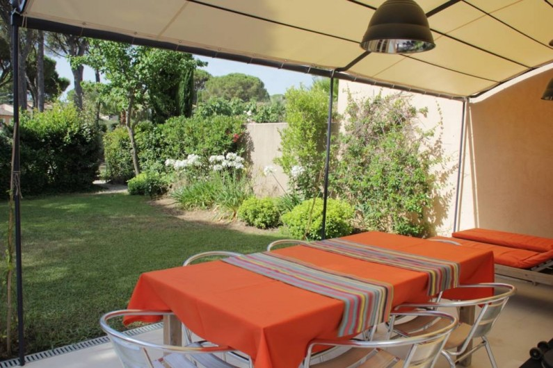 Location de vacances - Villa à Gassin - Table extérieure