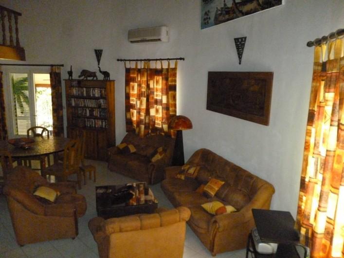 Location de vacances - Villa à Saly - SALON  ET TABLE A MANGER