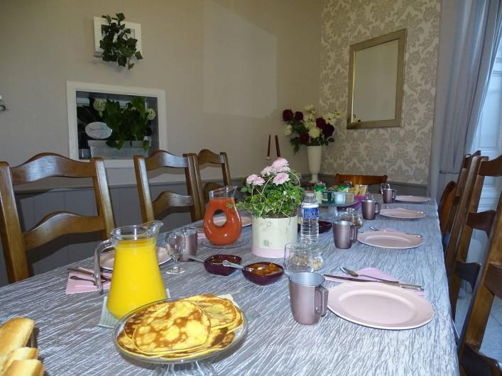 Location de vacances - Chambre d'hôtes à Bréville-les-Monts - salle du petit déjeuner