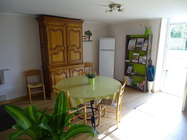 Location de vacances - Chambre d'hôtes à Bréville-les-Monts - cuisine a dispositions de nos hôtes