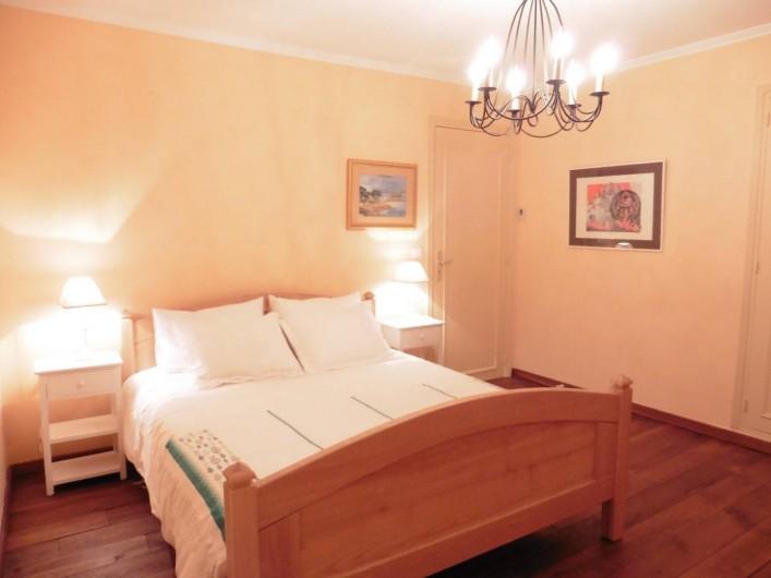 Location de vacances - Villa à Saint-Raphaël - Chambre 3 au 1er étage