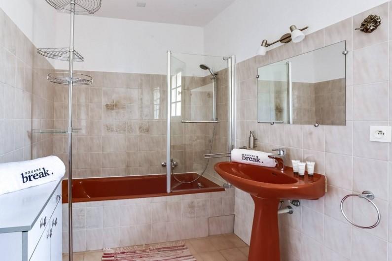 Location de vacances - Villa à Saint-Raphaël - Salle de bains 1er étage