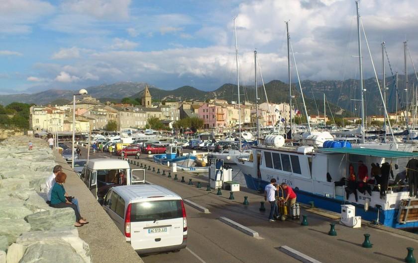 Location de vacances - Maison - Villa à Oletta - Le port de plaisance de st-Florent et son école de plongée sou marine