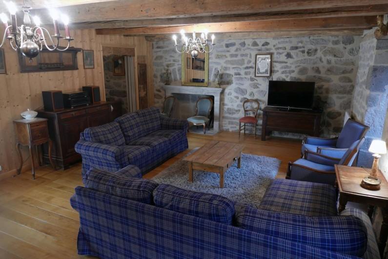 Location de vacances - Mas à Lavigerie - Le séjour (1er étage)