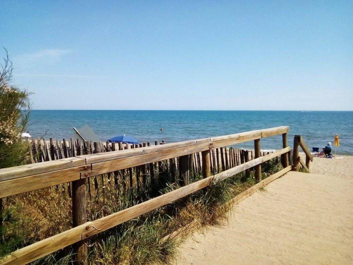 Location de vacances - Chambre d'hôtes à Villeneuve-lès-Béziers - Les plages sont très proches (6 km)