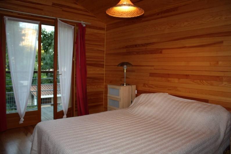 Location de vacances - Villa à Andernos-les-Bains - Chambre 2 avec balcon