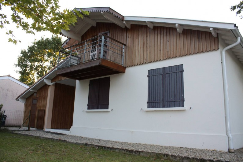 Location de vacances - Villa à Andernos-les-Bains - Façade côté jardin