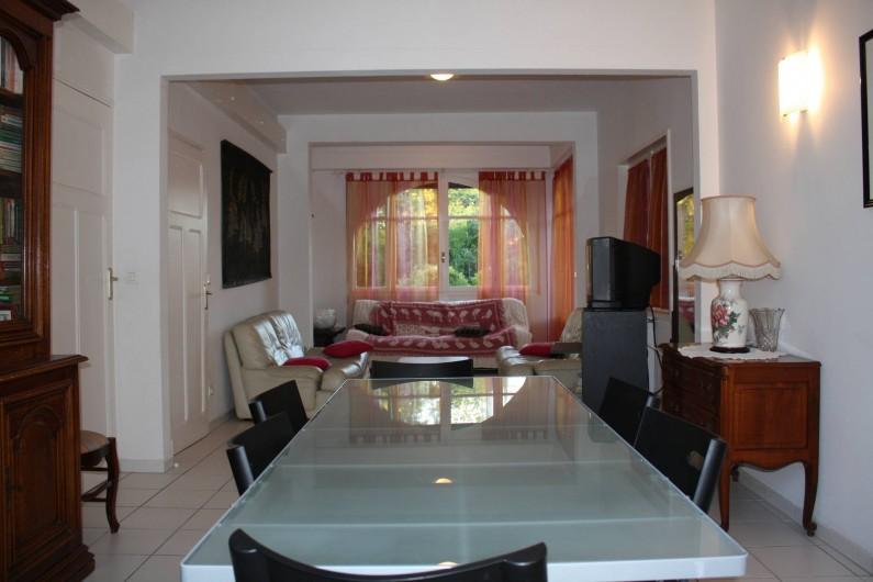 Location de vacances - Villa à Andernos-les-Bains - Salle à manger + Salon