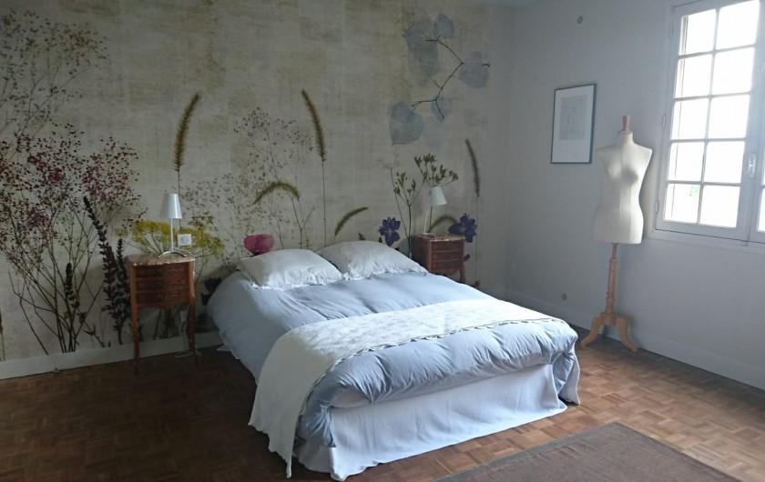 Location de vacances - Villa à Royan - la deuxième chambre avec un cabinet de toilette